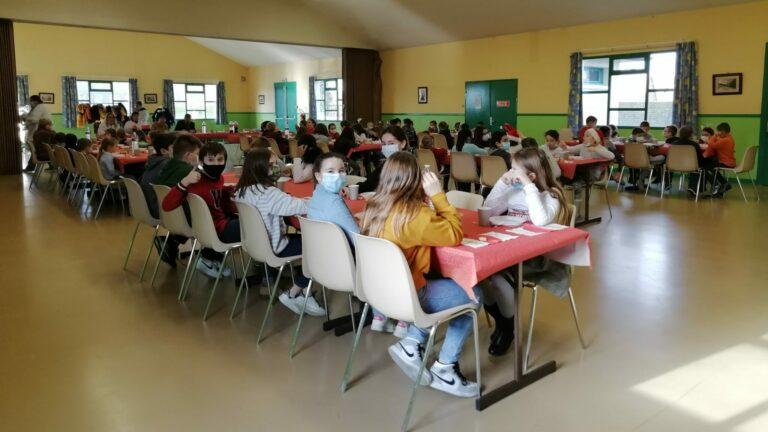 Read more about the article Noël de la cantine